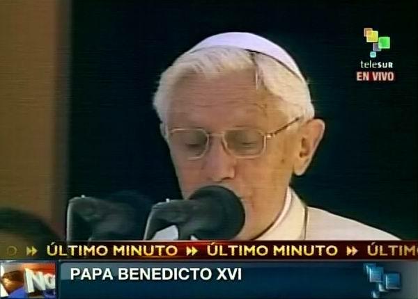 El Papa Benedicto XVI lee mensaje en el Santuario de la Virgen de la Caridad del Cobre, Santiago de Cuba.27 de marzo de 2012. Foto: TeleSUR / Radio Rebelde