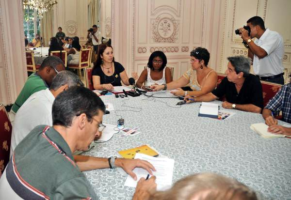Campaign �Voices for The Five� Presented in Havana