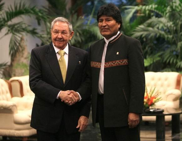 Raúl Castro sostuvo encuentro con Evo Morales. Foto: Ismael Francisco