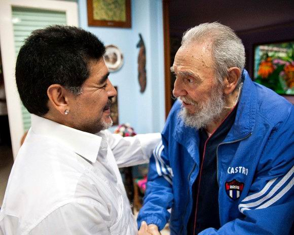 Fidel Castro Held Fraternal Meeting with Maradona