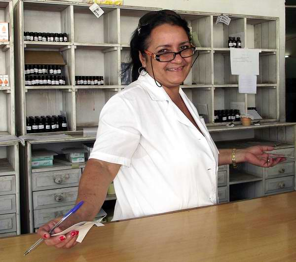 Farmaceutica cubana. Foto Abel Rojas.