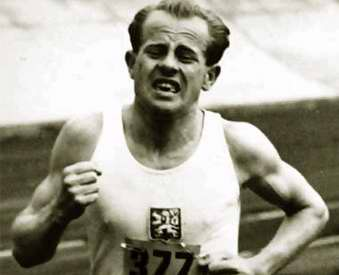 Emil Z�topek: Another of the Outstanding Athletes to the Hall of Fame